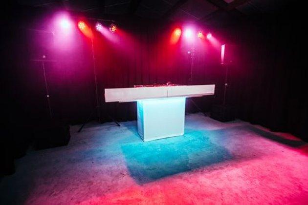 Bruiloft.DJ show * (1 ster)