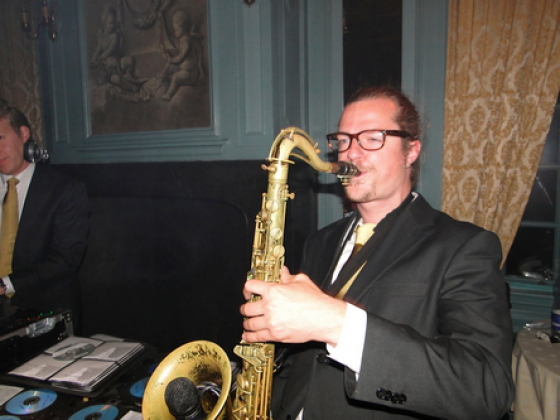 Bruiloft.DJ Saxofonist IJsbrand